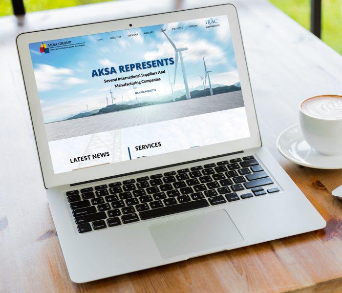 Laptop ukazujúci webstránku developera vytvorenú firmou IdeaMarketing.sk